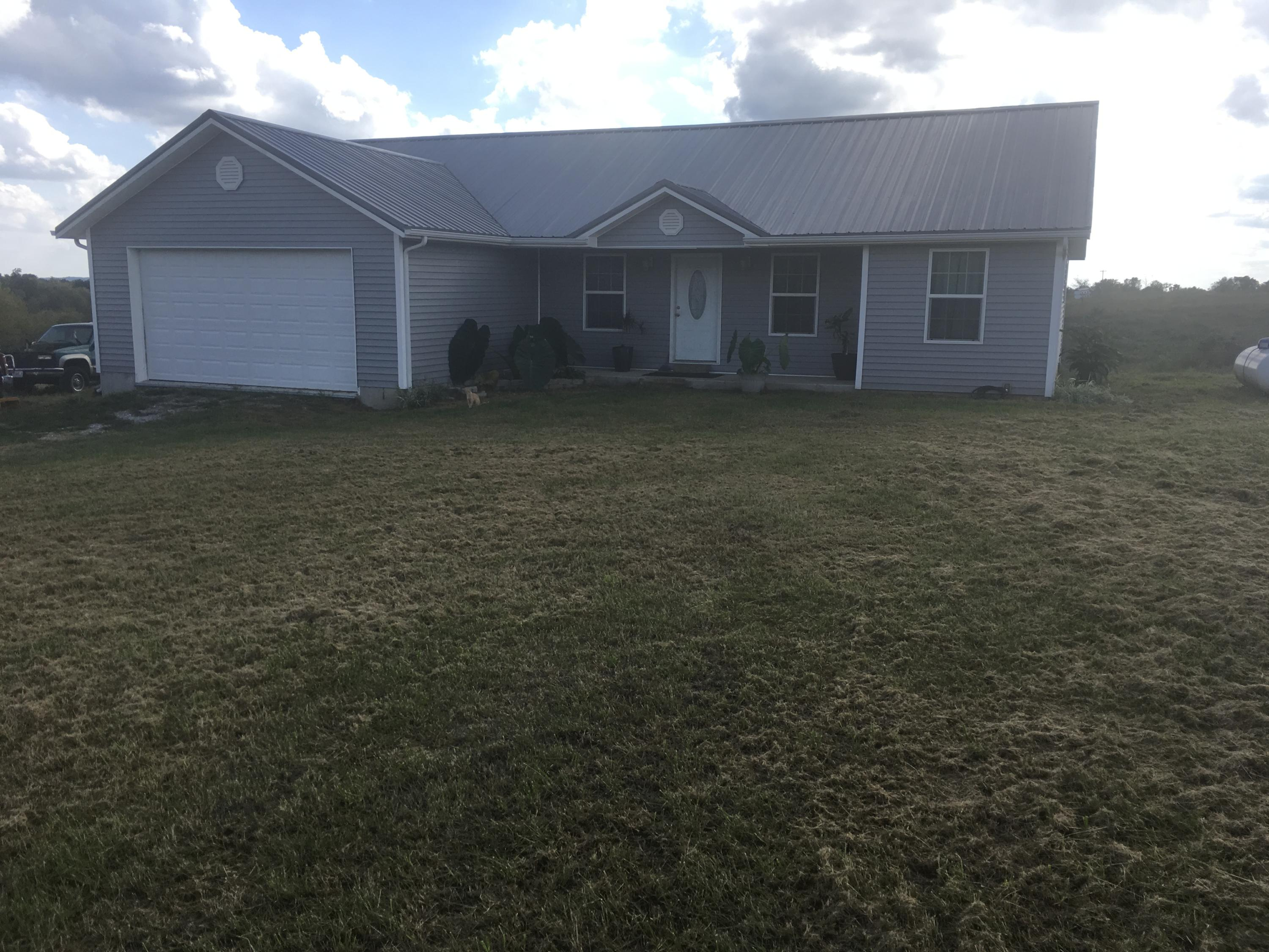 5365 South 125th Road Morrisville, MO 65710