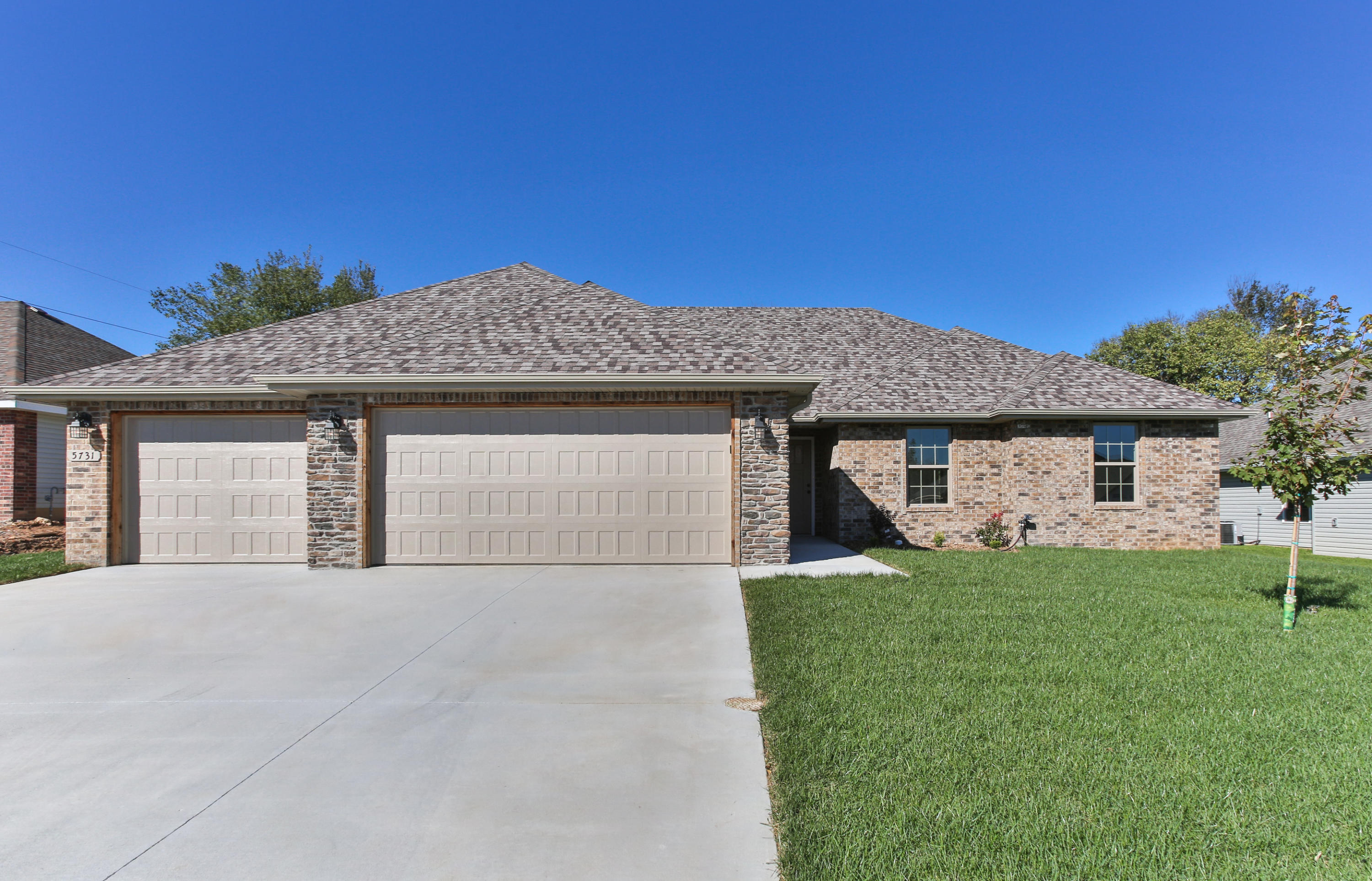 5731 East Park Place Drive Strafford, MO 65757