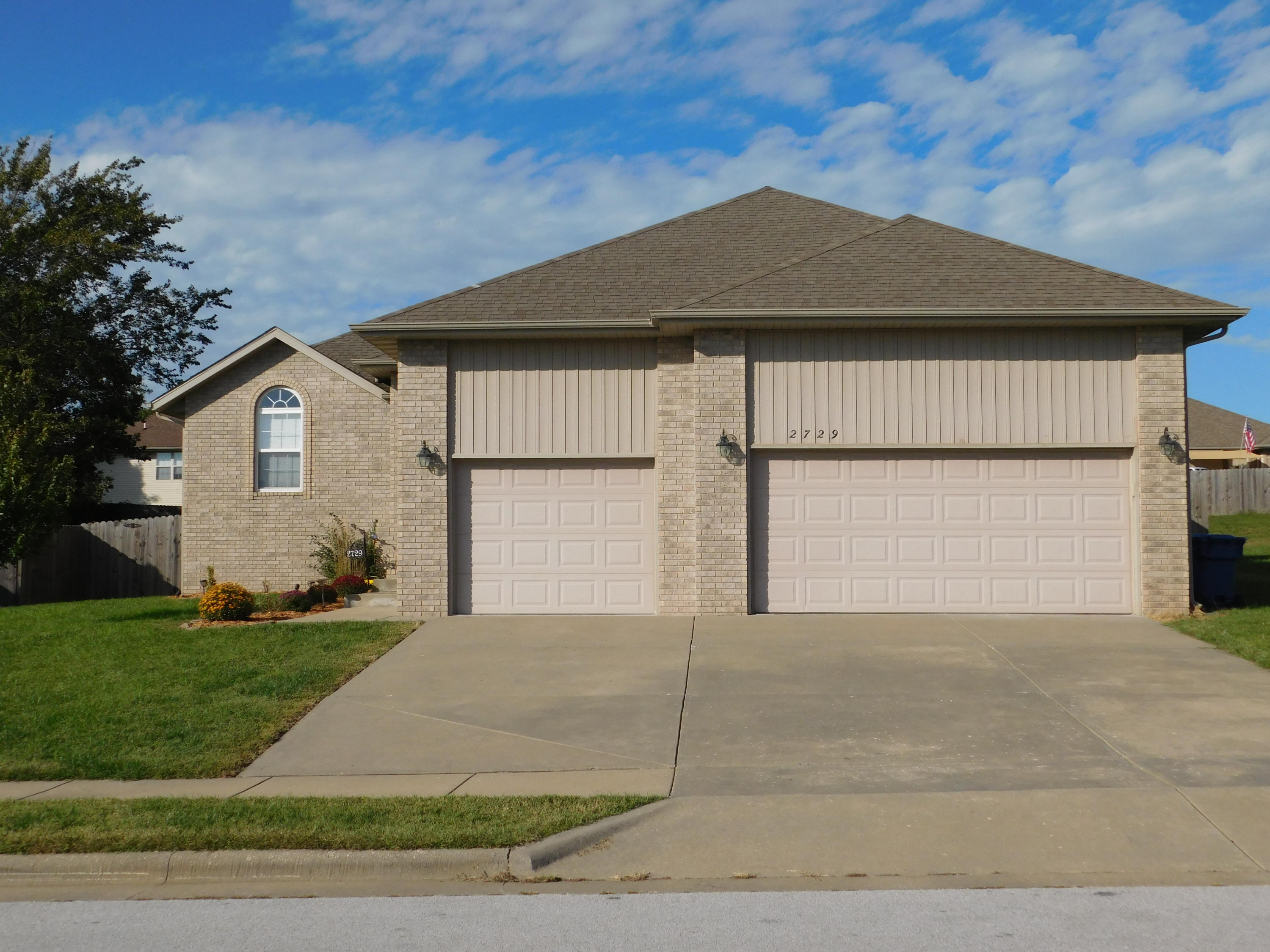 2729 West Garton Road Ozark, MO 65721