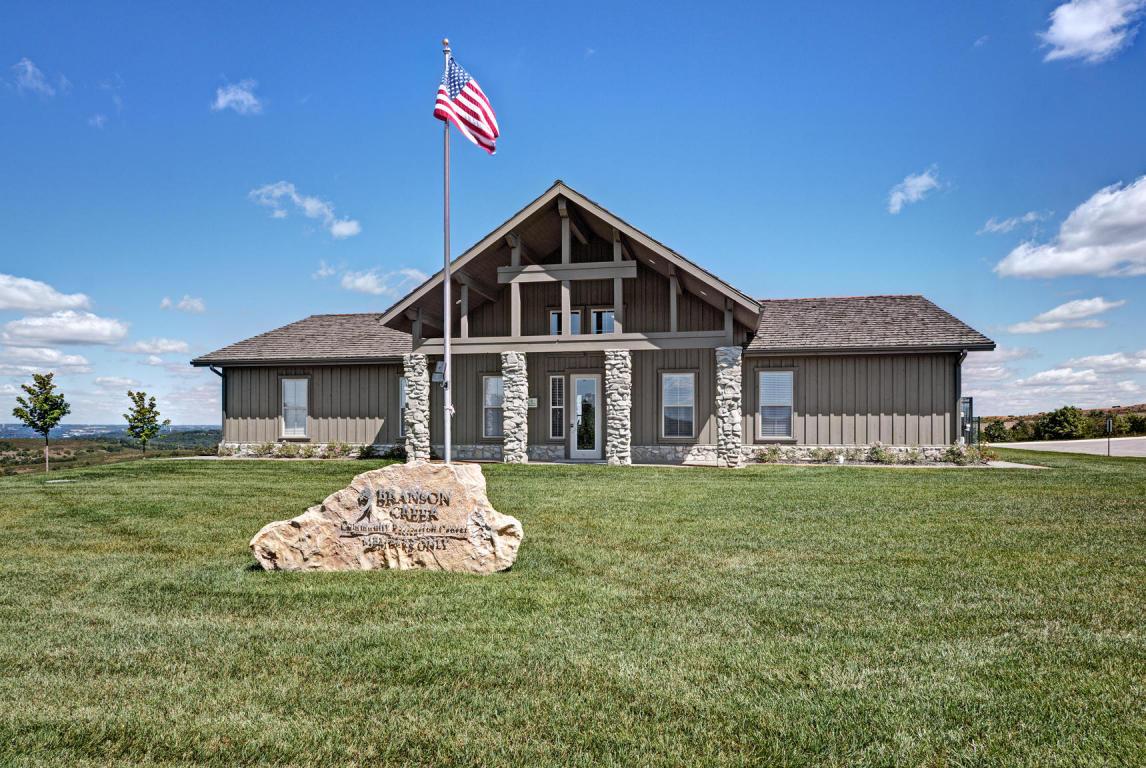 250 Golf Club Drive Hollister, MO 65672