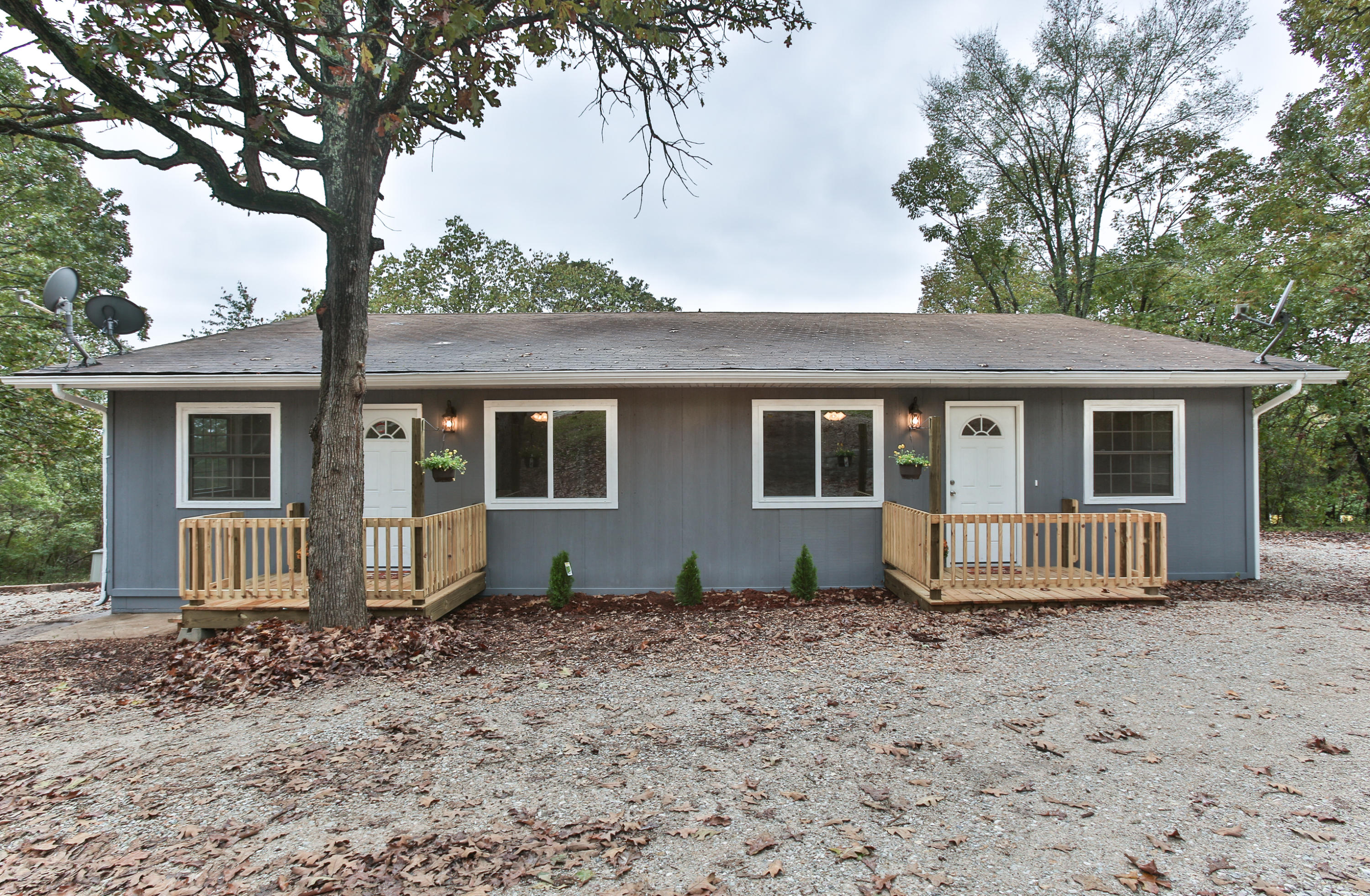 1363 Welch Road Reeds Spring, MO 65737