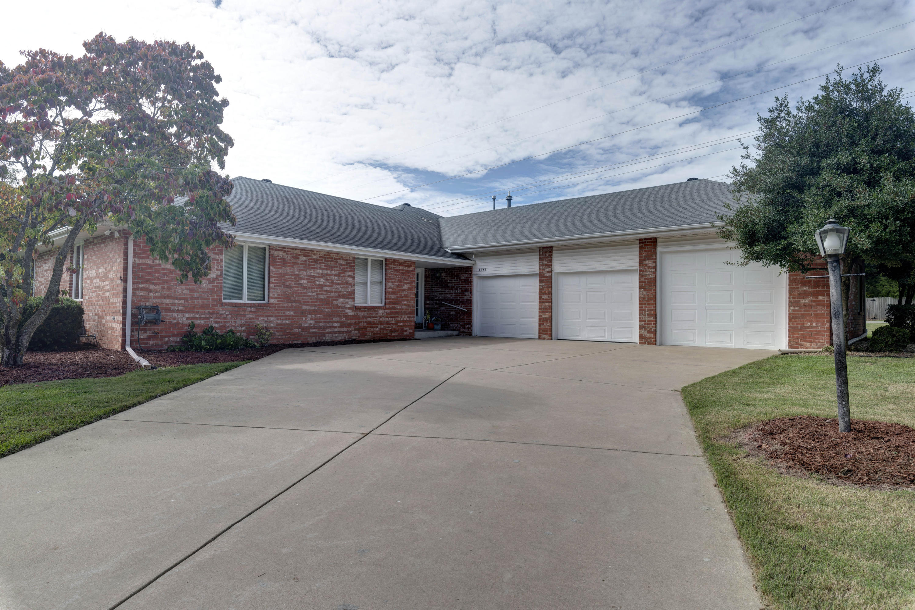 4645 South Bothwell Court Springfield, MO 65804