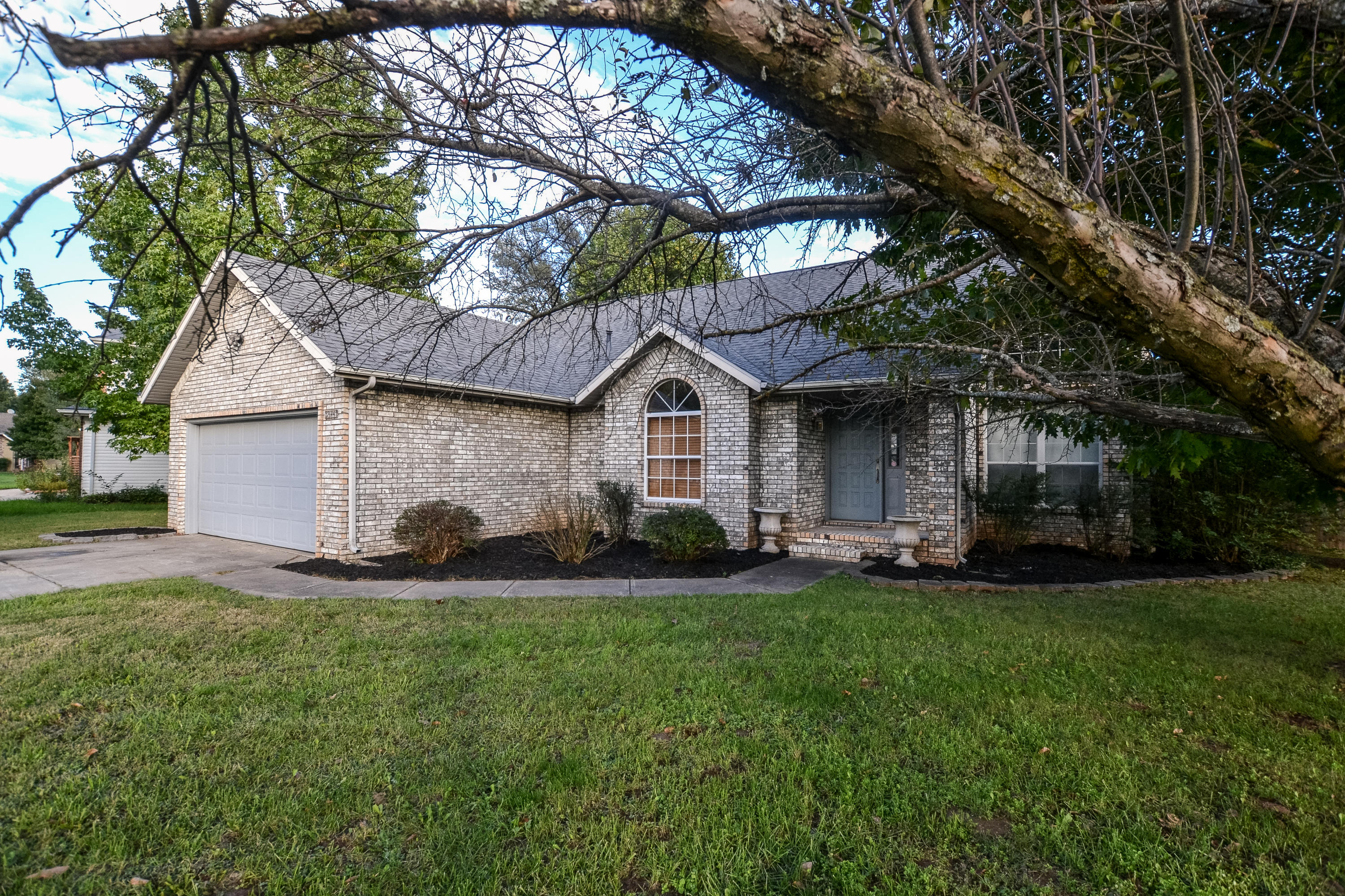 3844 West State Street Springfield, MO 65802