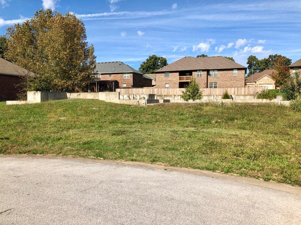 855 East Meadow Garden Court Nixa, MO 65714