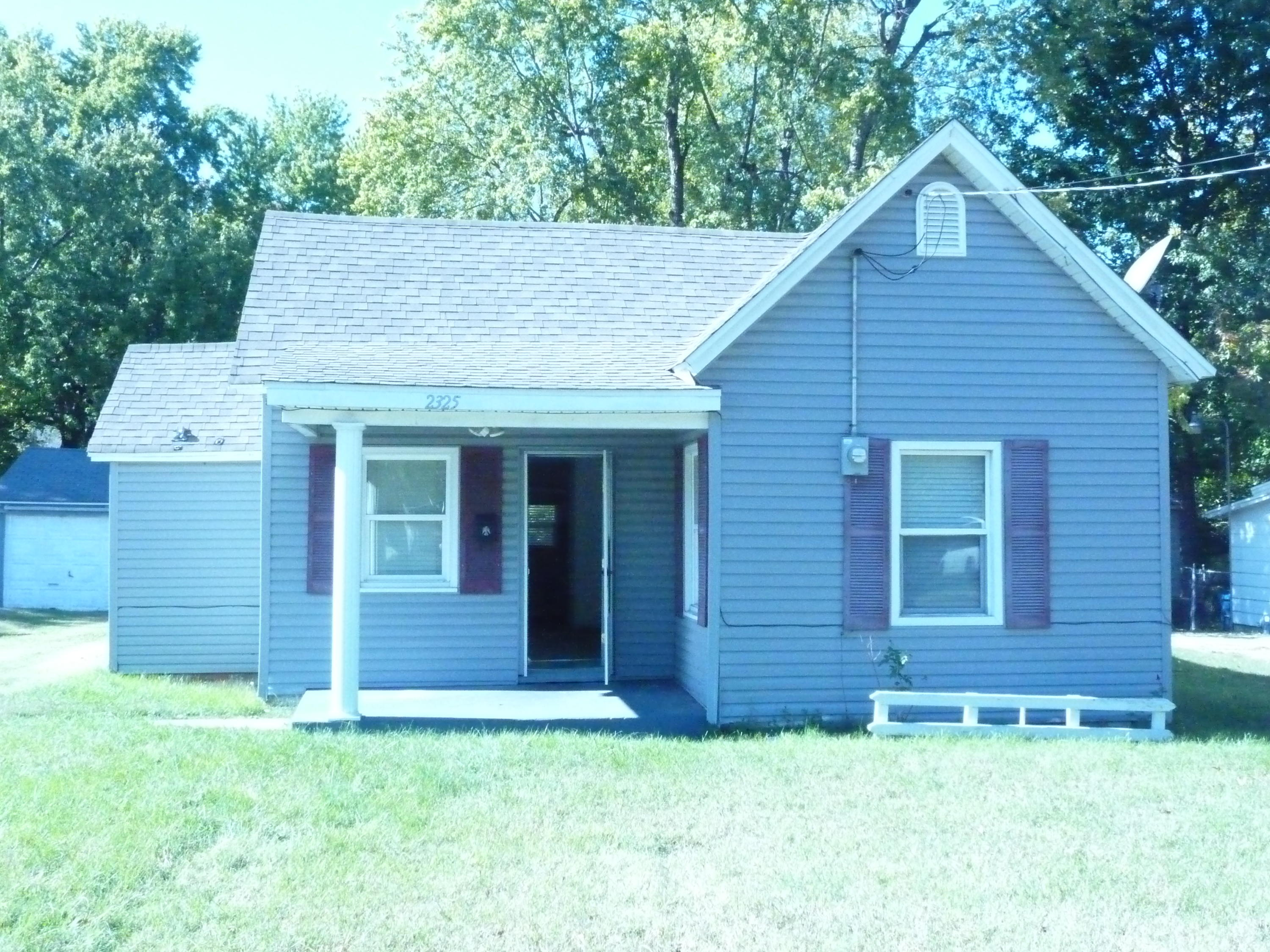 2325 North Rogers Avenue Springfield, MO 65803