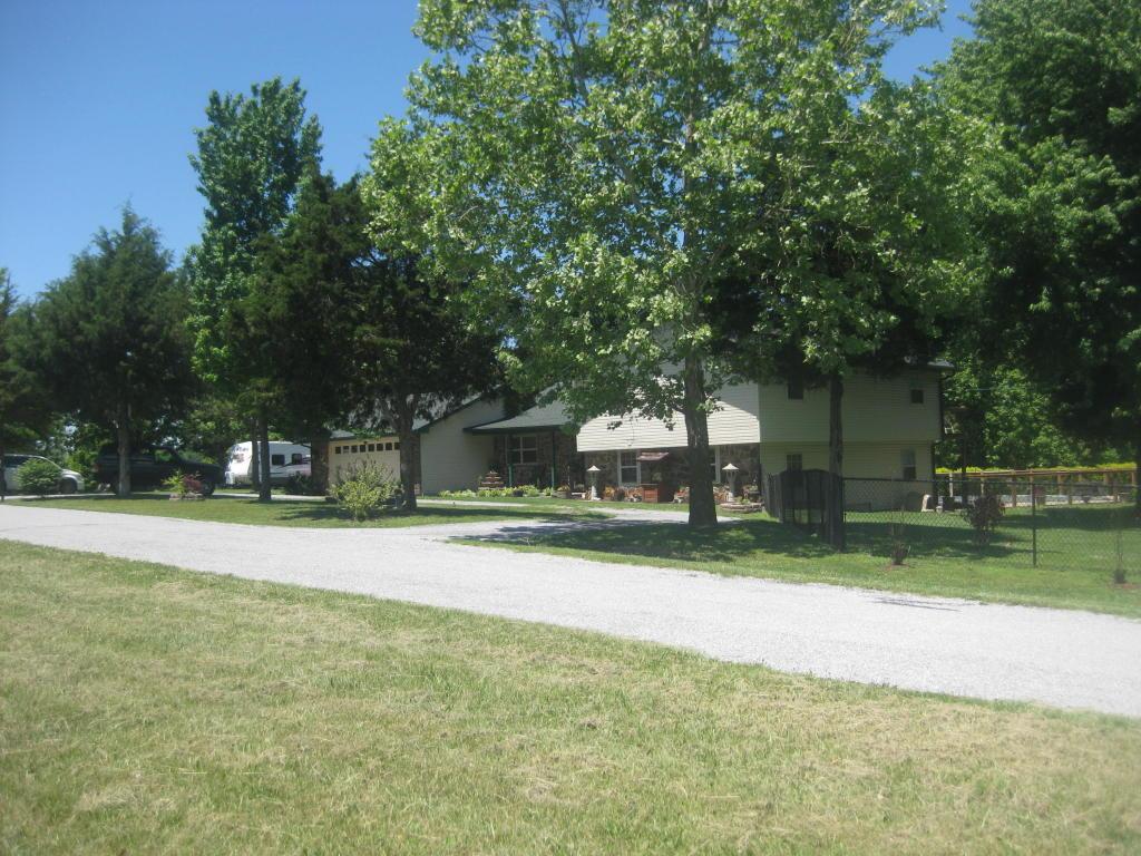 12655 Farm Road 2205 Circle Cassville, MO 65625