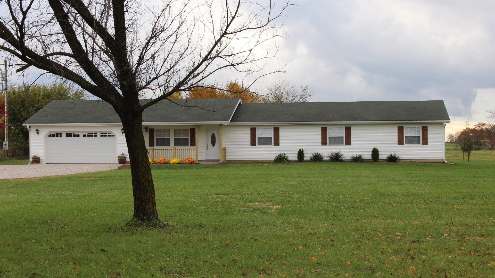 34 Neill Road Buffalo, MO 65622