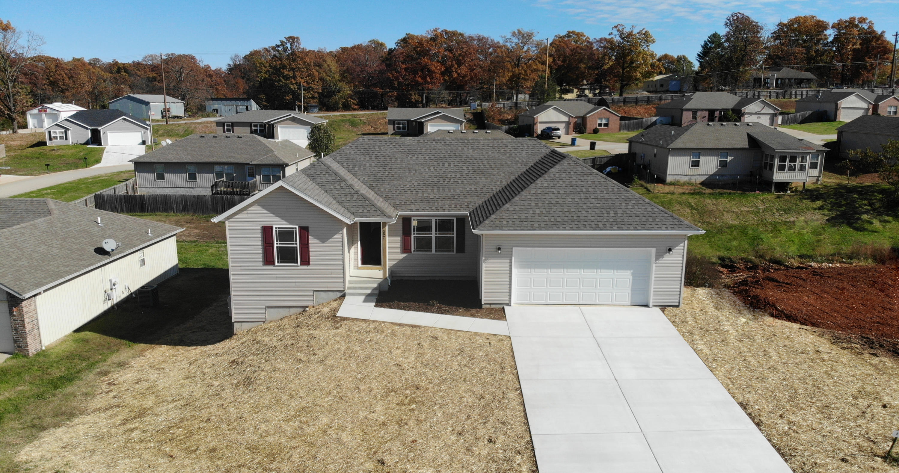 297 Echo Valley Circle Reeds Spring, MO 65737