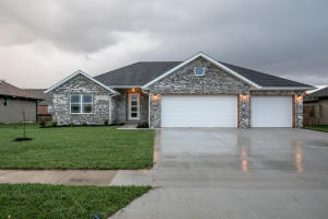 346 East Lombardy Drive, Republic, MO 65738