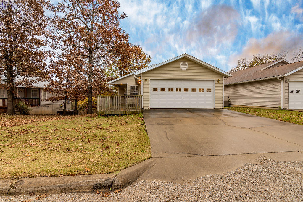 290 Deer Run Road Branson, MO 65616