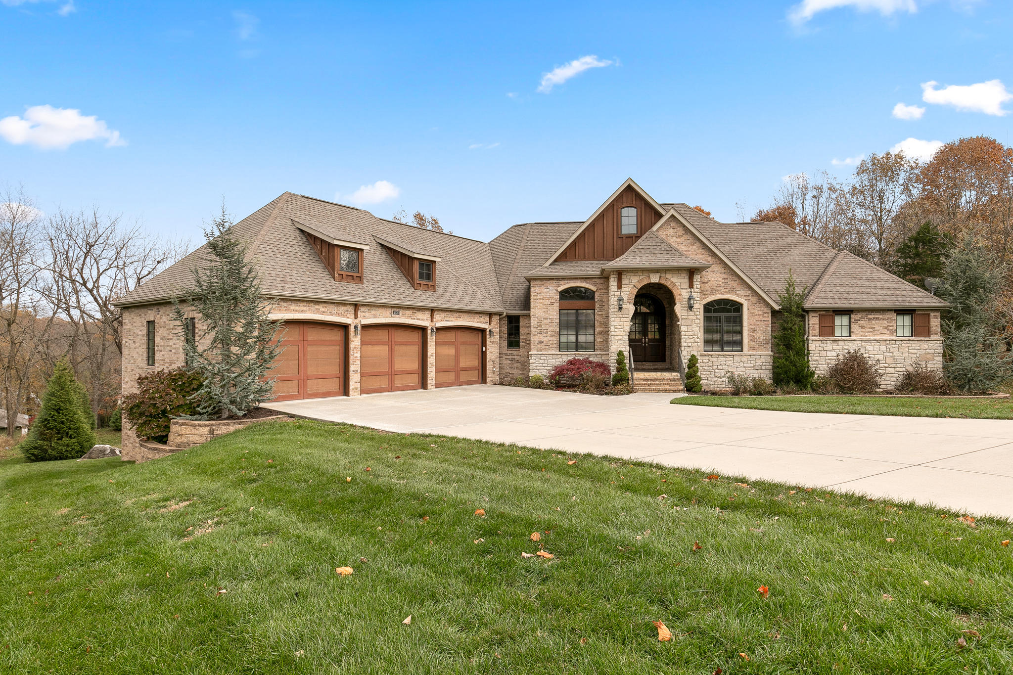 4376 East Scotty Court Springfield, MO 65809