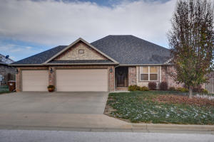 1511 South Antietam Road, Republic, MO 65738