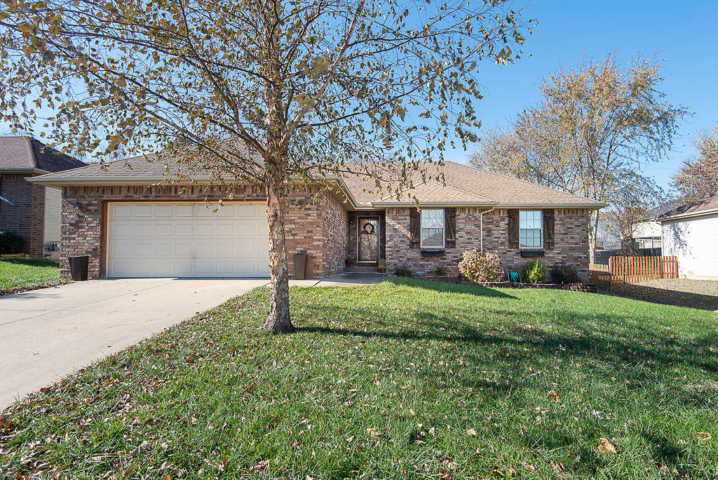 581 South Canterbury Lane Nixa, MO 65714