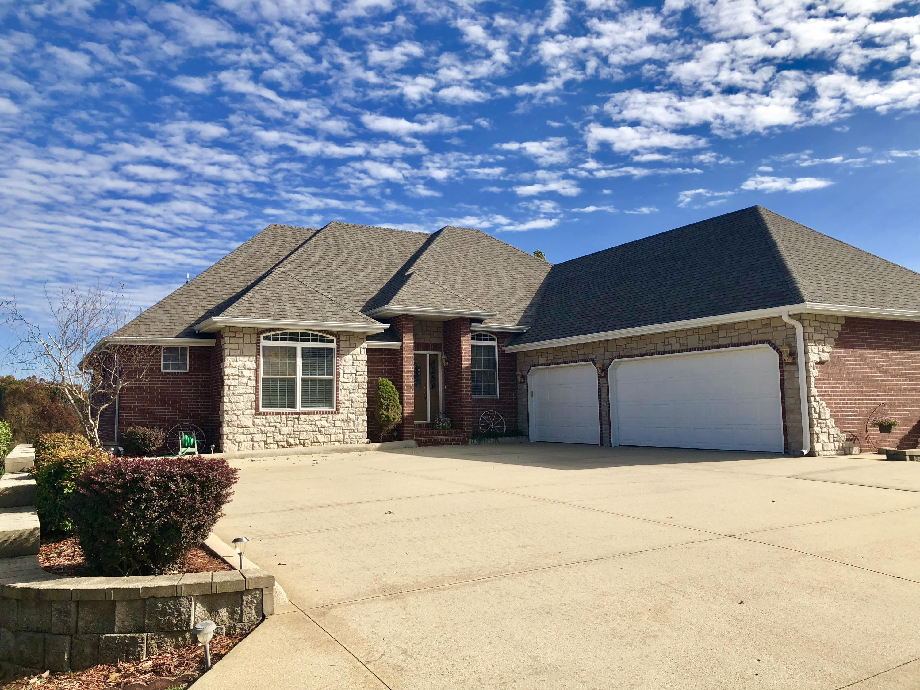 106 Island Green Drive Republic, MO 65738