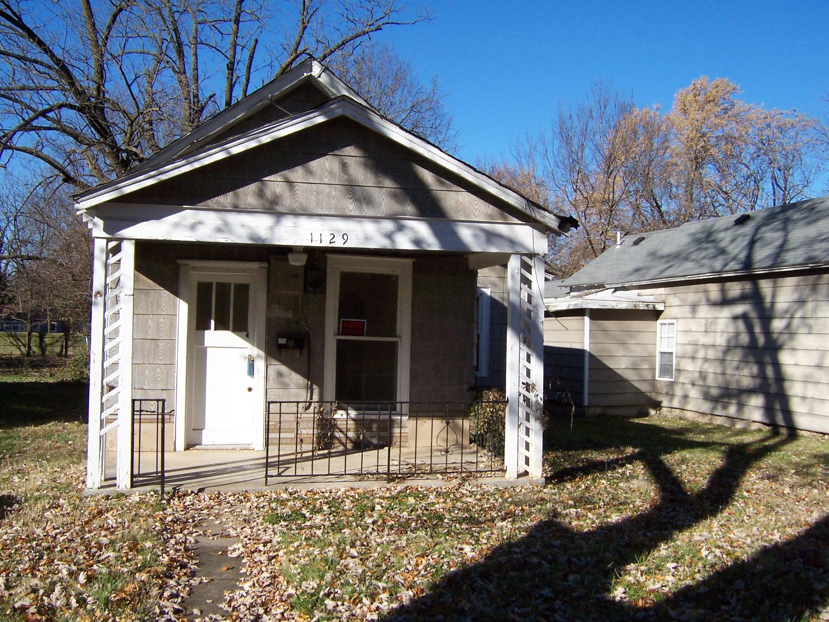 1129 North Rogers Avenue Springfield, MO 65802