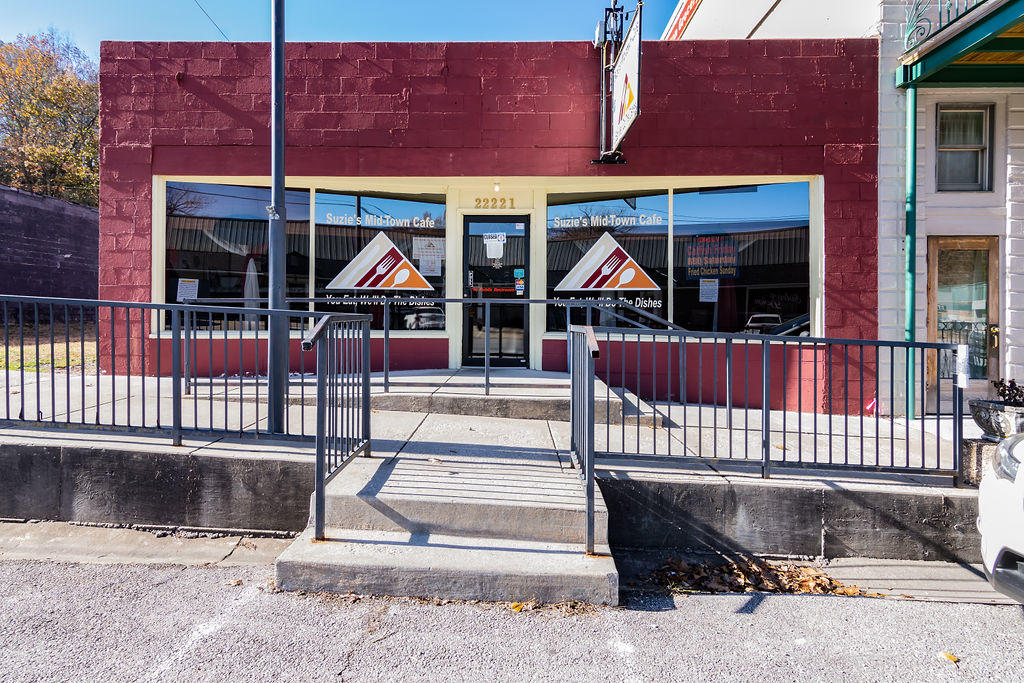 22221 Main Street Reeds Spring, MO 65737