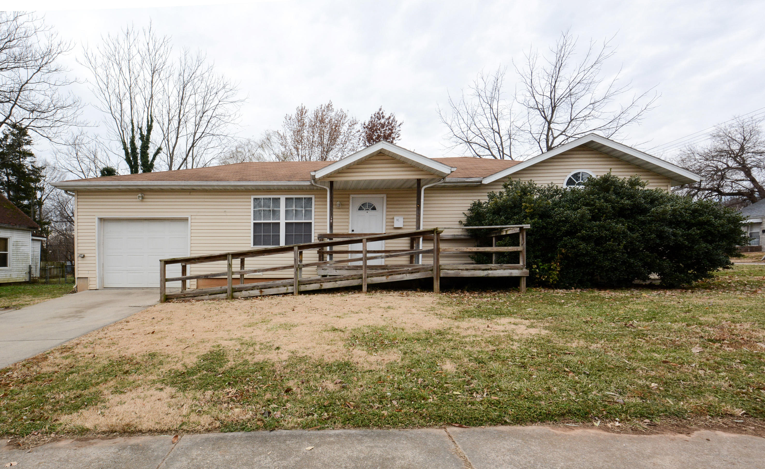 601 South Fort Avenue Springfield, MO 65806