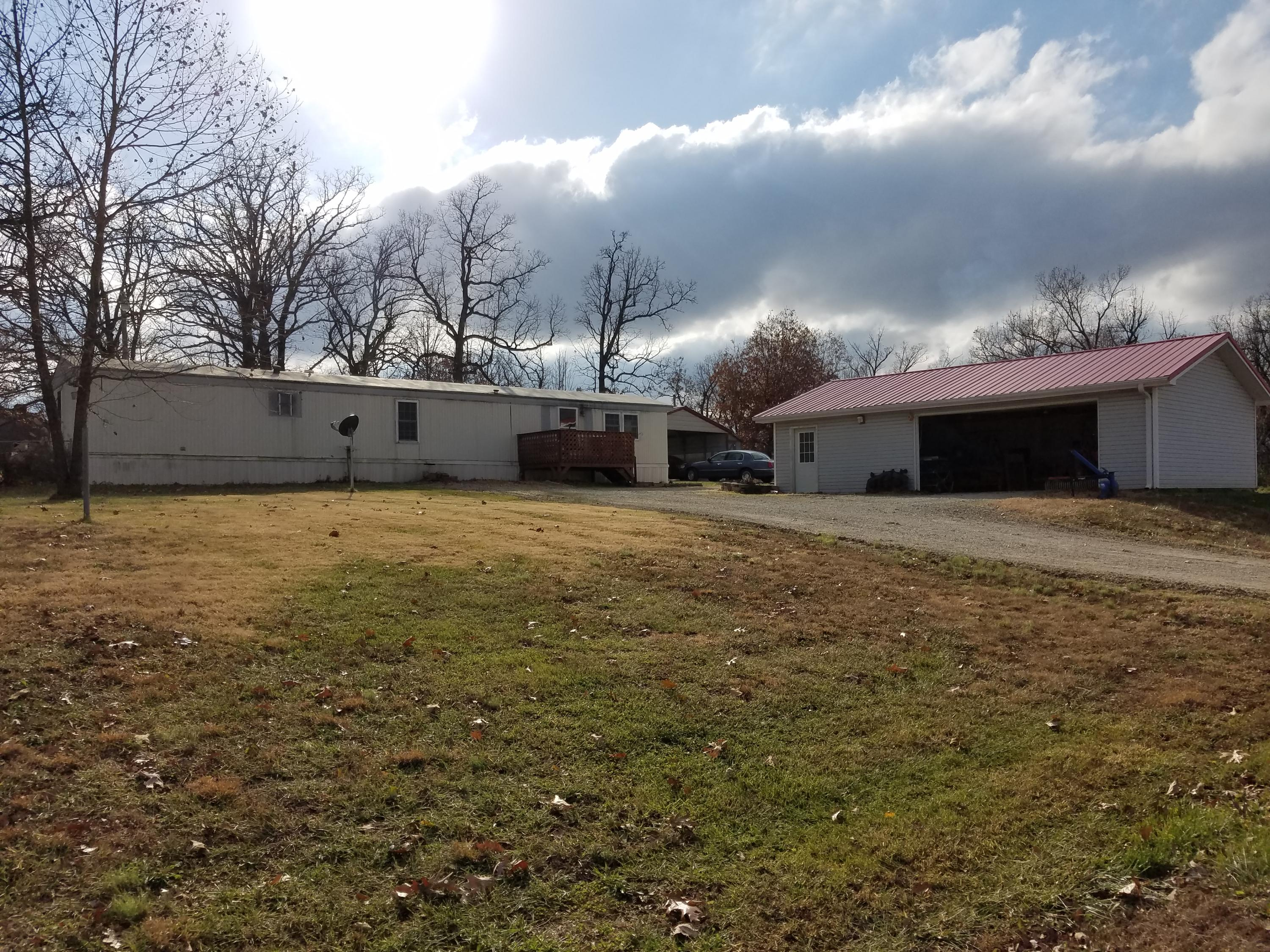 4 Cowboy Trail Buffalo, MO 65622