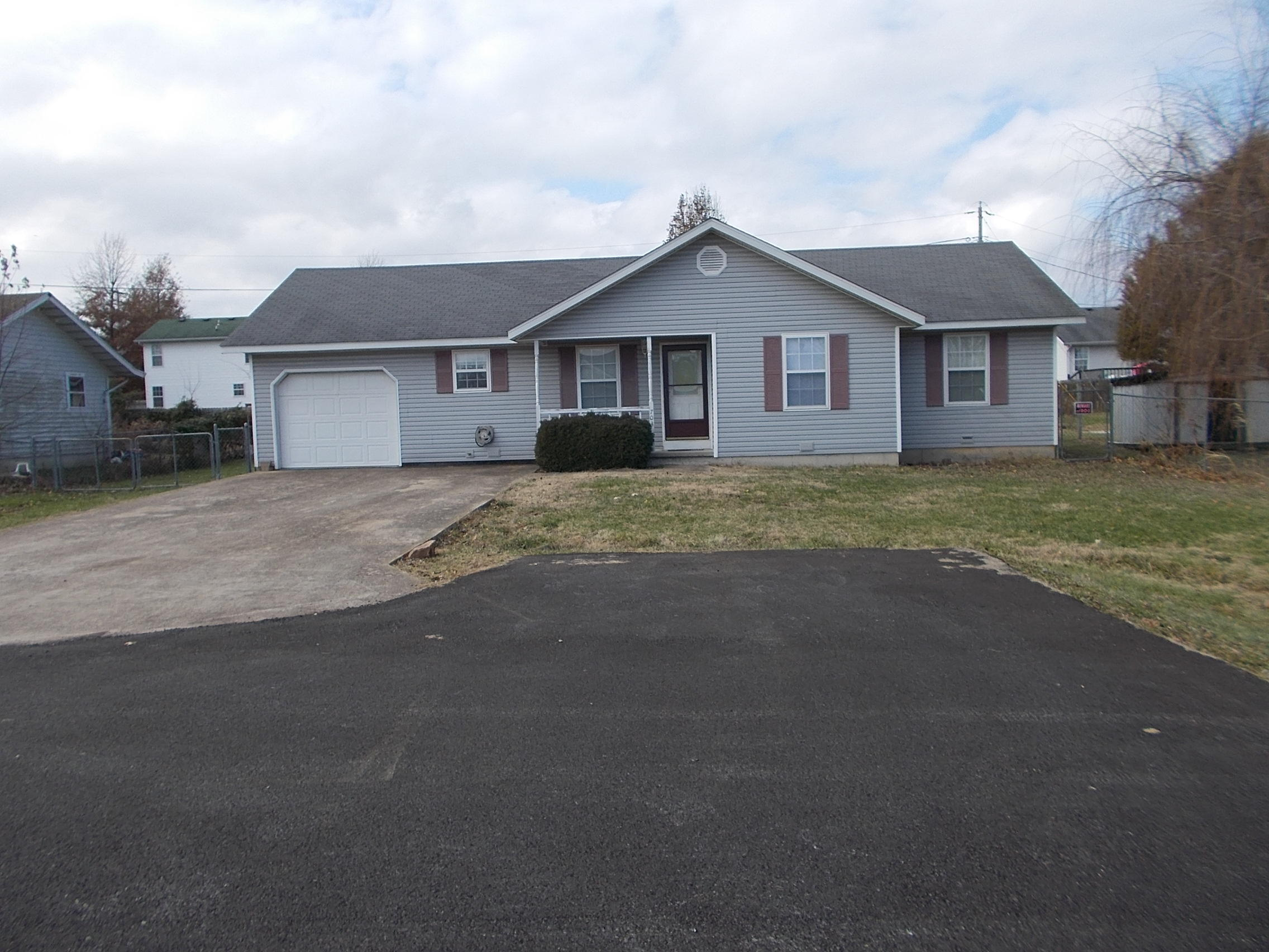 703 South Birch Street Buffalo, MO 65622