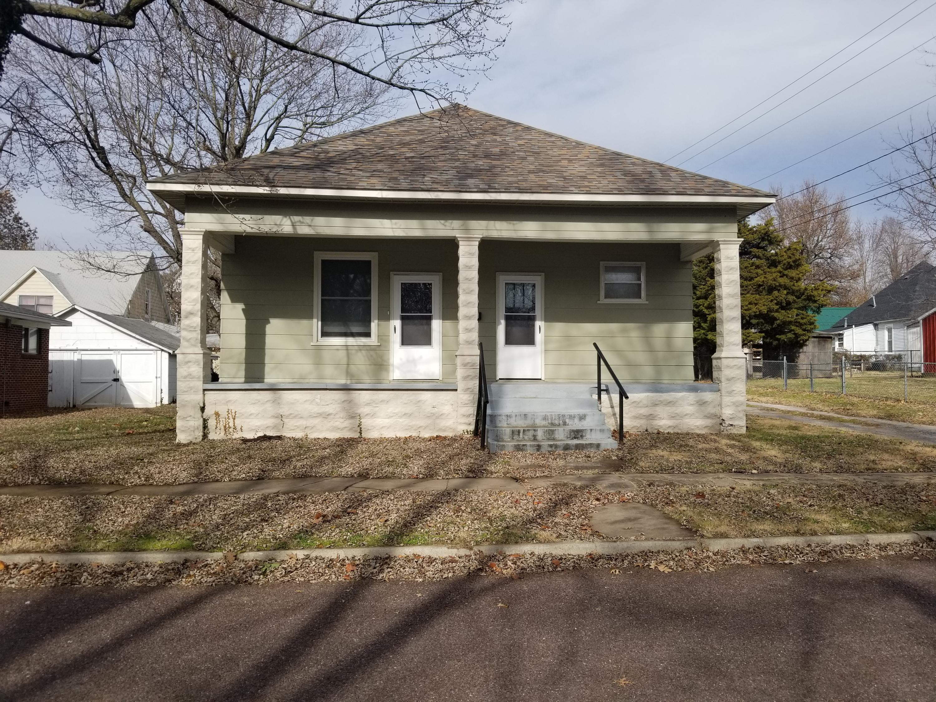 206 West County Street Monett, MO 65708