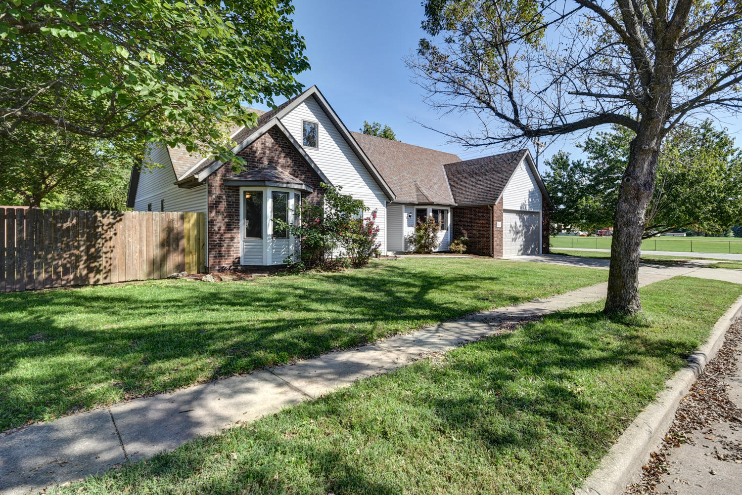 3111 West Tracy Court Springfield, MO 65807