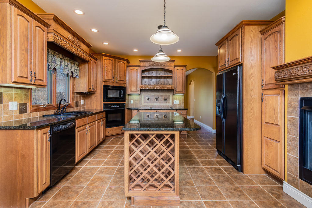 1413 Stoney Creek Circle Branson West, MO 65737