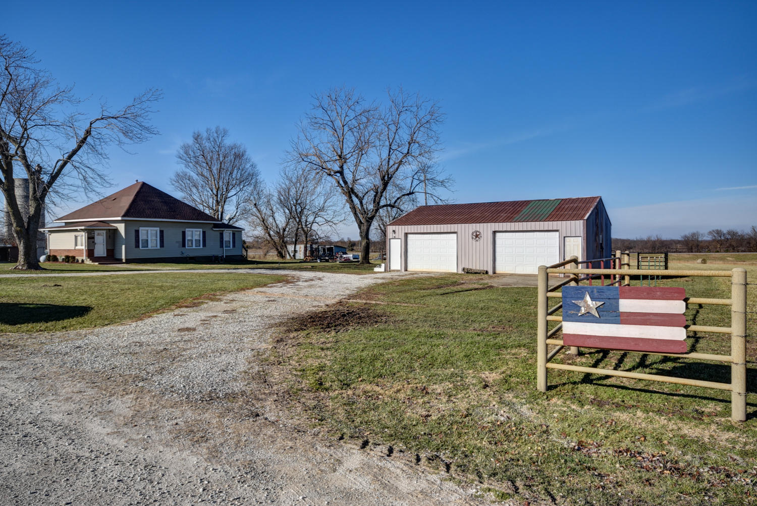 22762 Lawrence 2200 Marionville, MO 65705