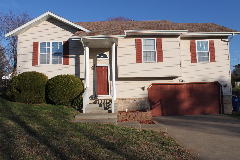 2606 South Lotus Street Ozark, MO 65721