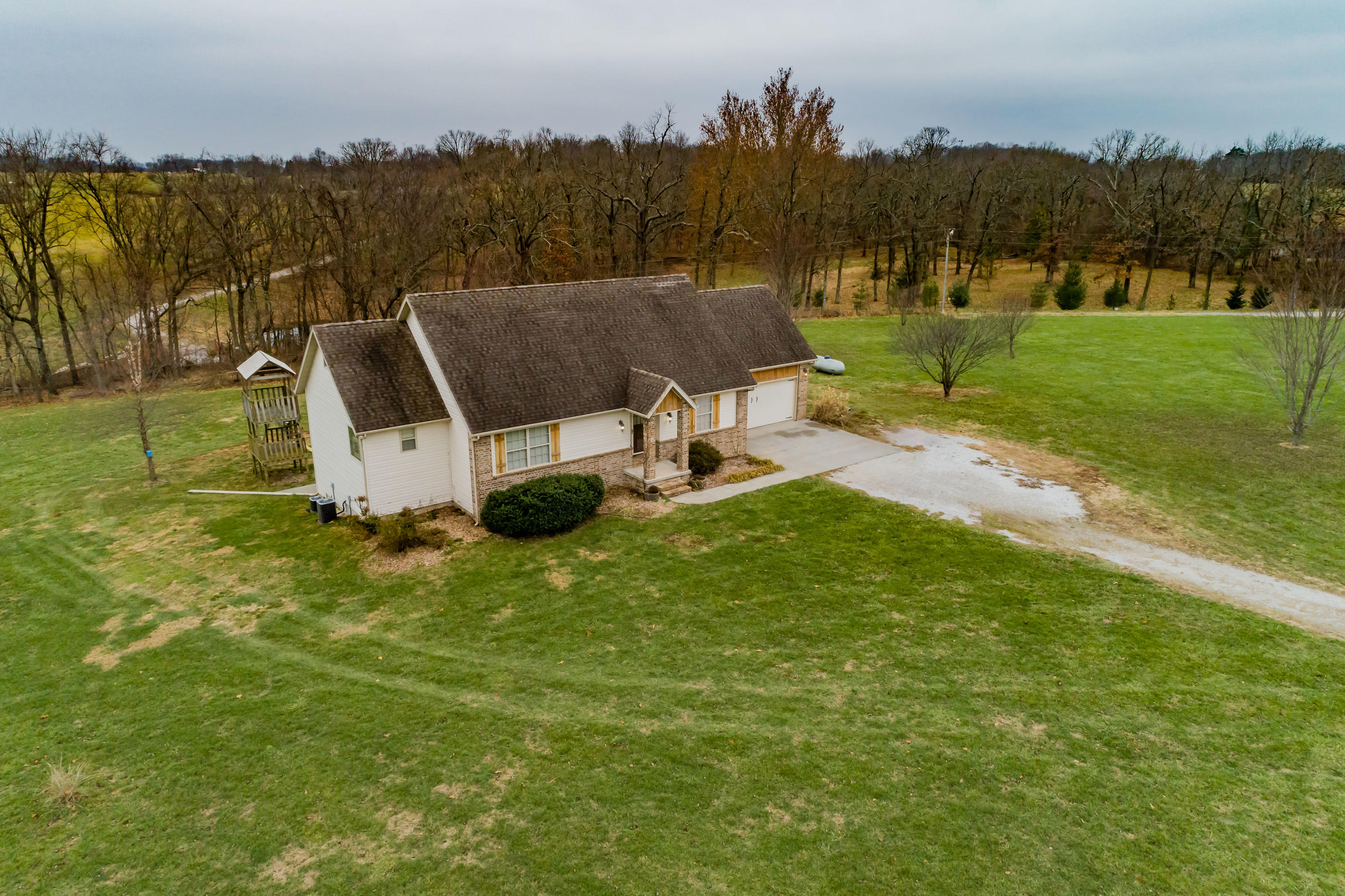 286 Remington Road Clever, MO 65631