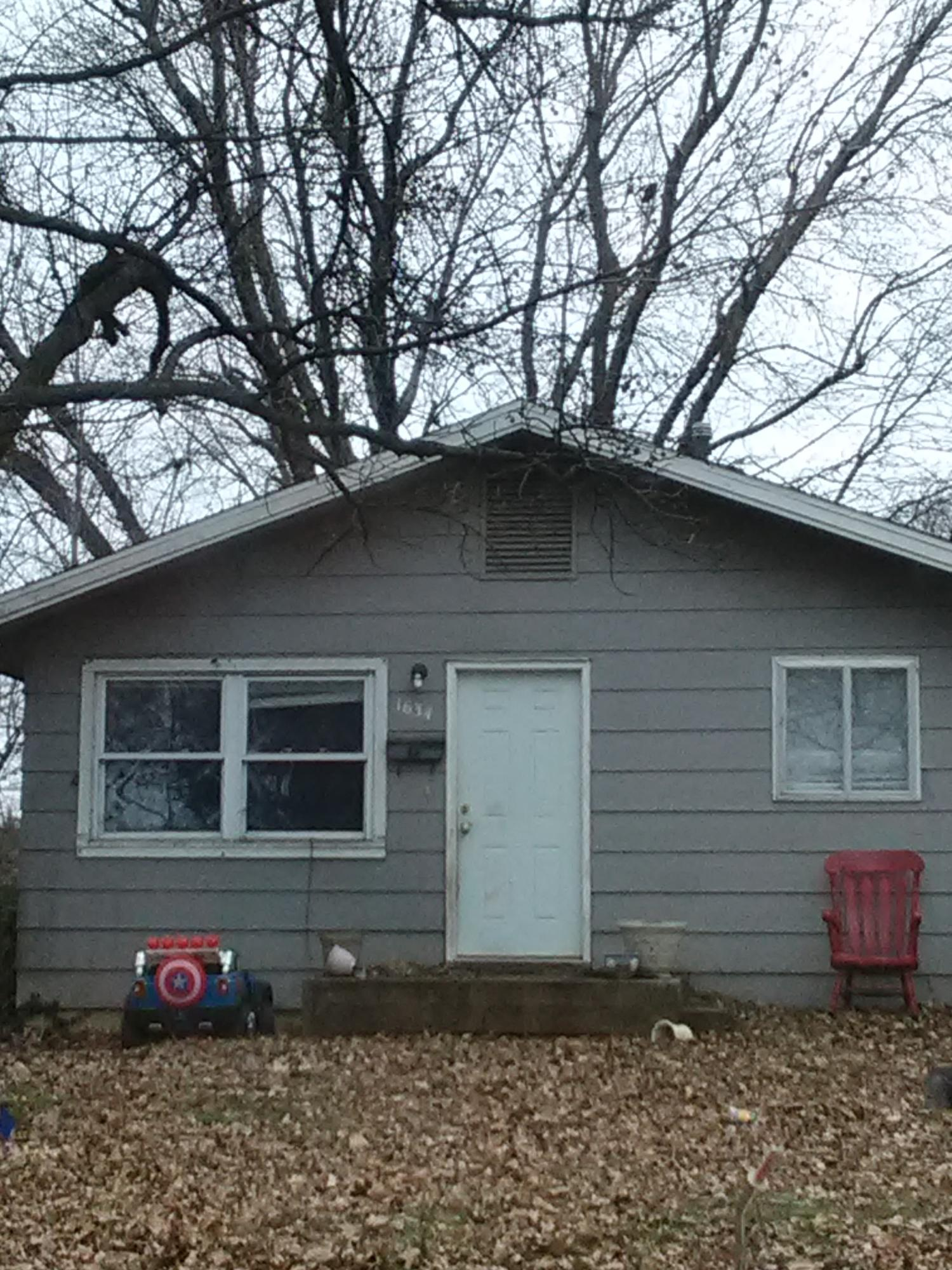 1634 East Nora Street Springfield, MO 65803