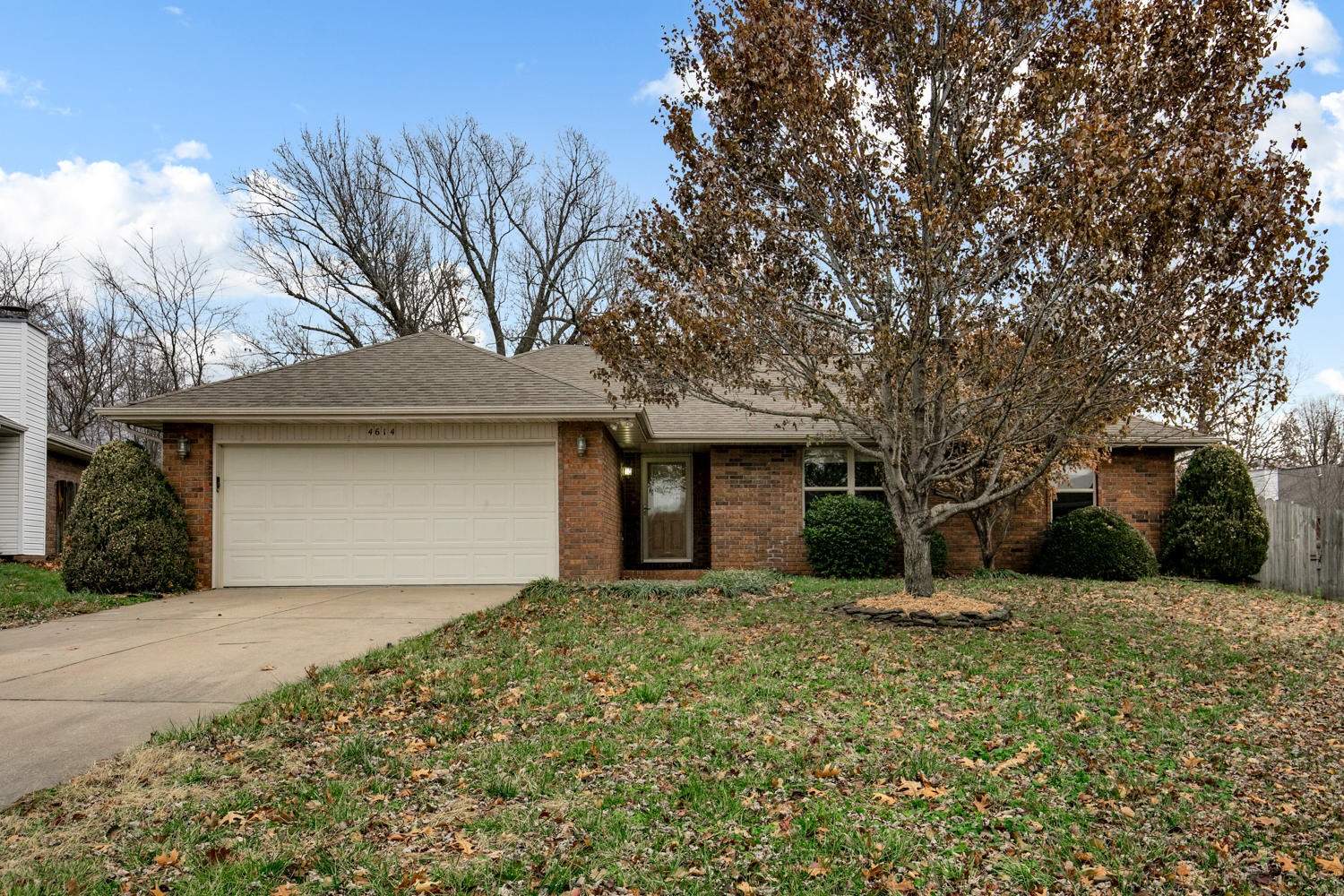 4614 South Falcon Court Battlefield, MO 65619