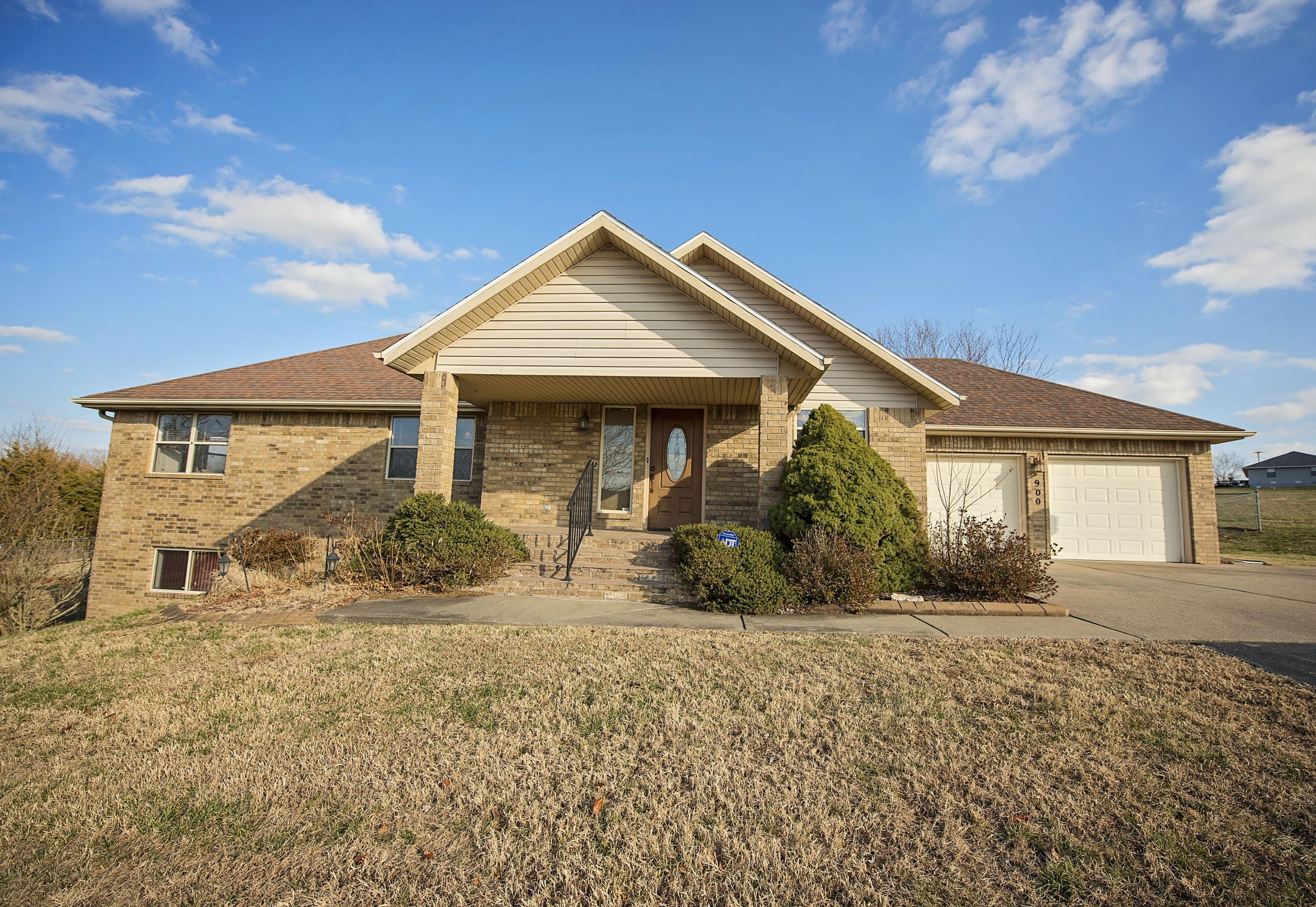 900 Country Meadows Road Highlandville, MO 65669