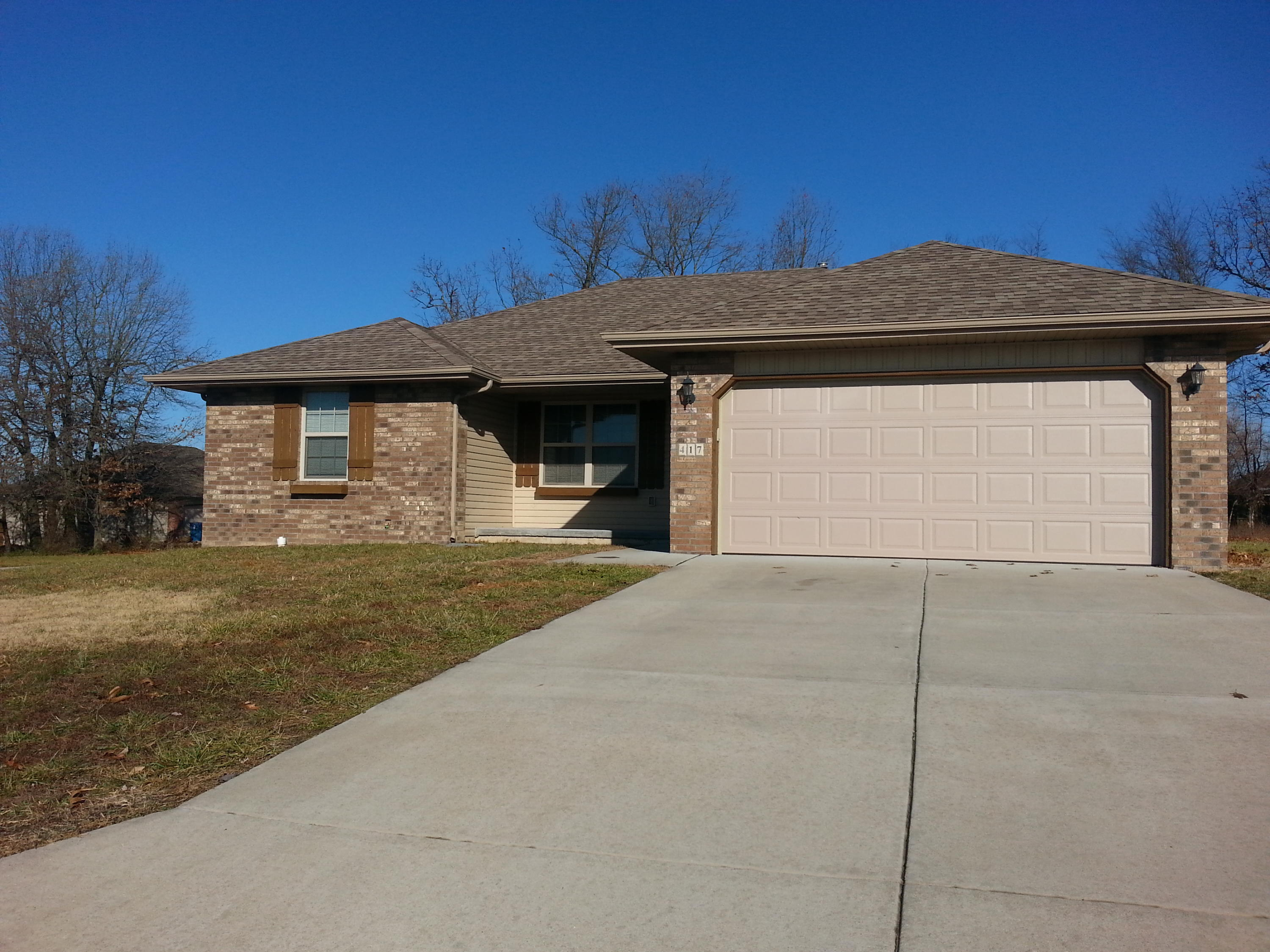 417 Bradford Pear Clever, MO 65631