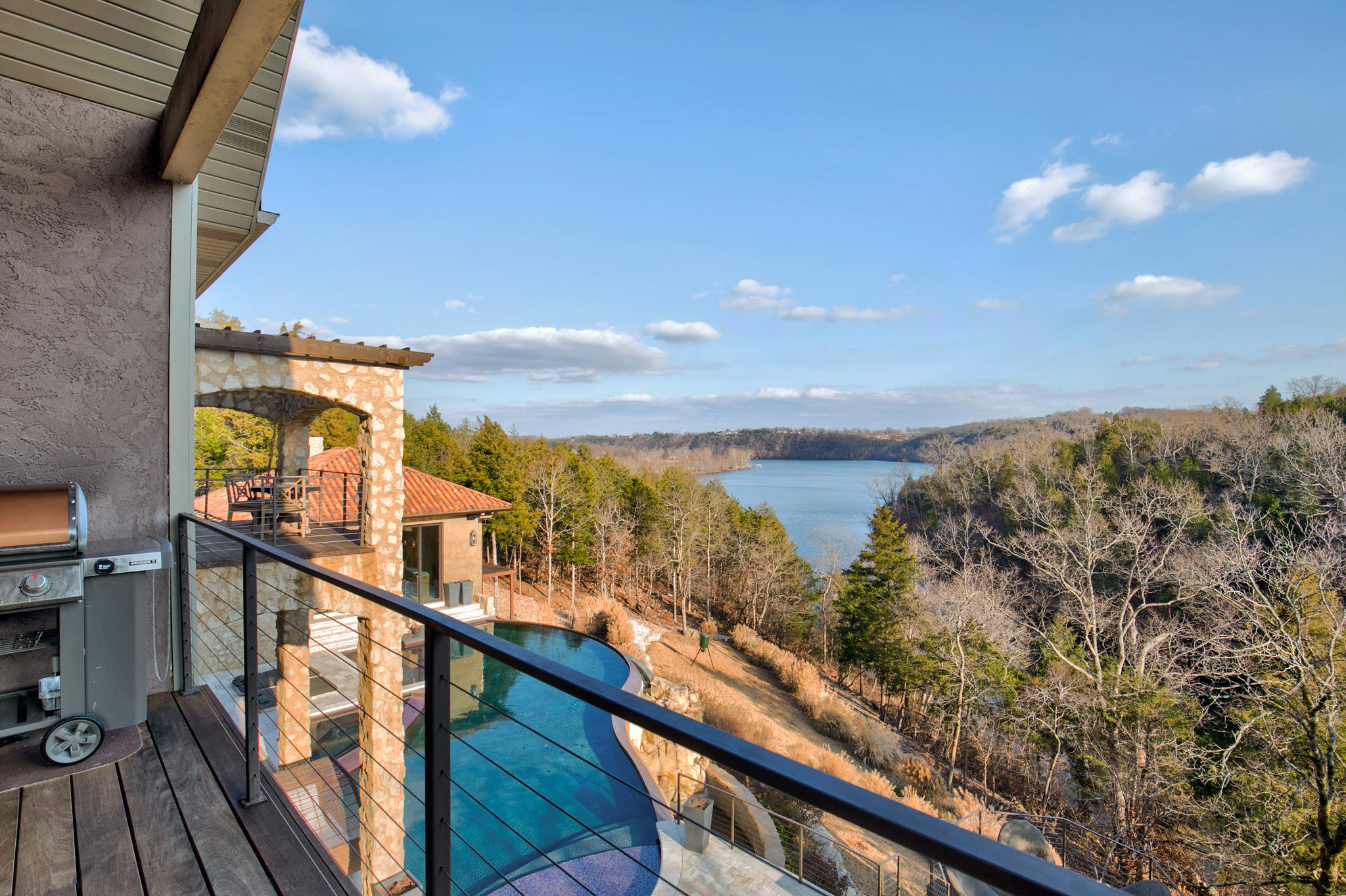 733 Peaceful Drive Branson, MO 65616