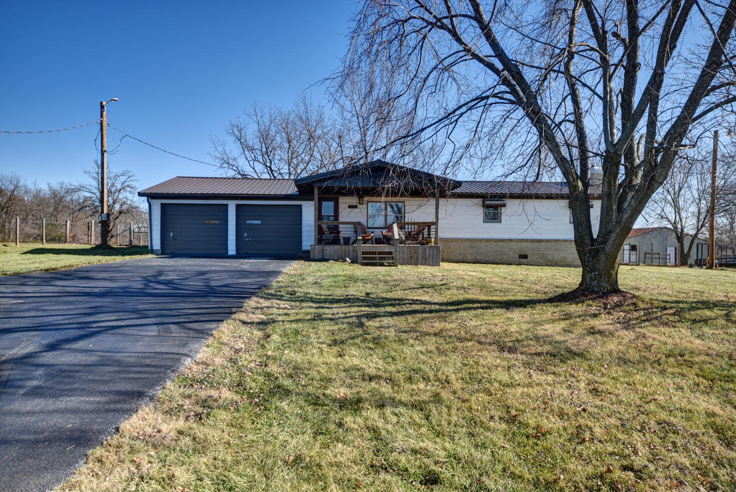 8048 South State Highway 125 Rogersville, MO 65742