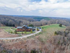 19736 State Highway East, Eagle Rock, MO 65641