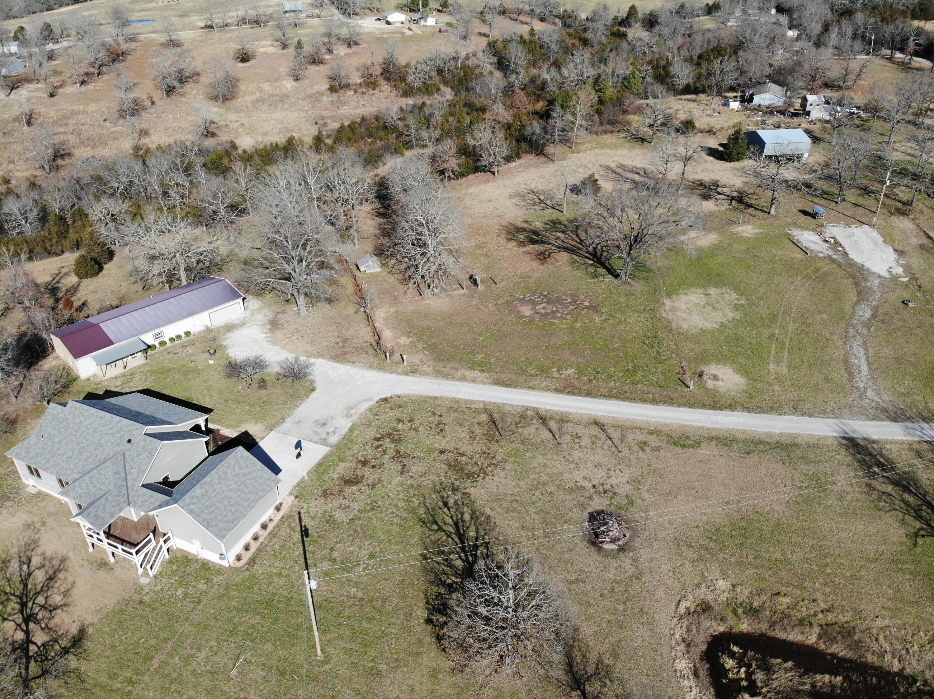720 Yandell Cove Road Kirbyville, MO 65679