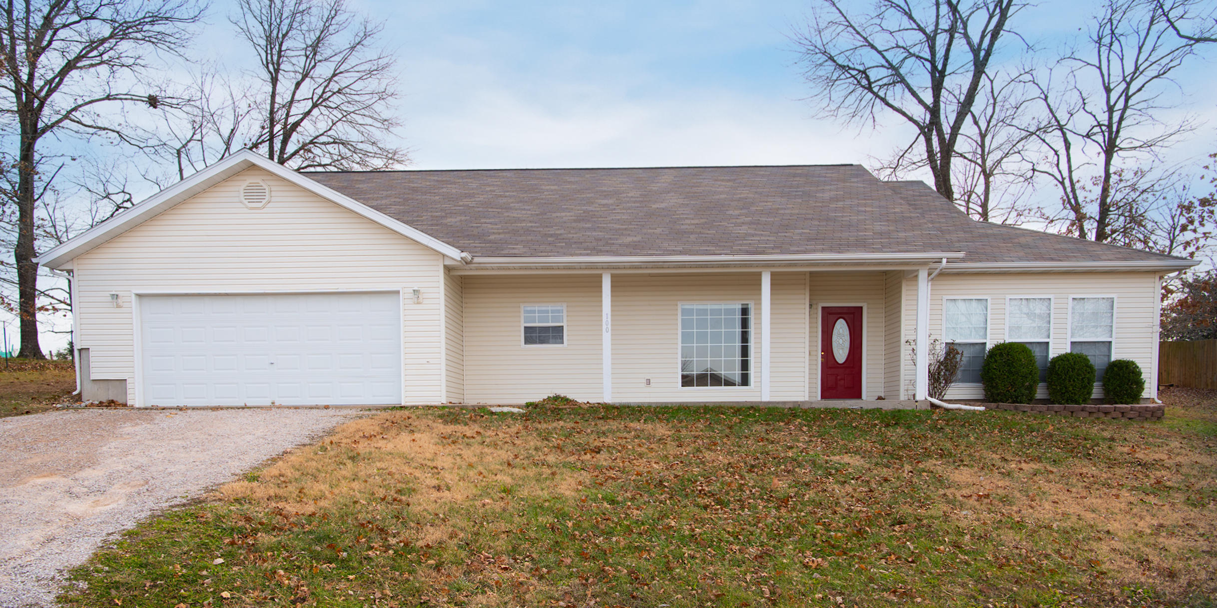 100 Clear Cove Drive Reeds Spring, MO 65737