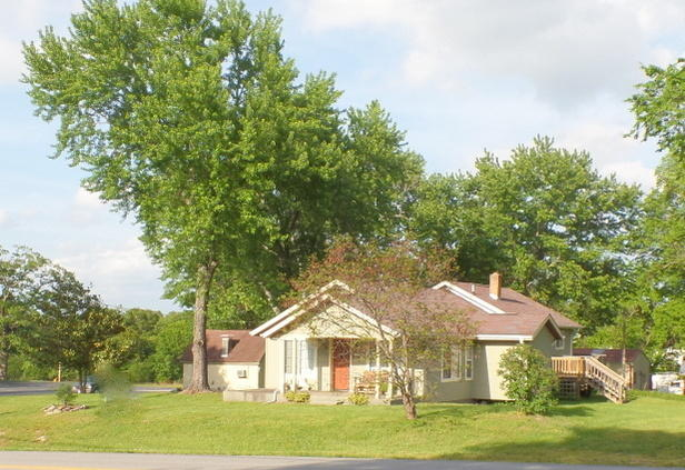8593 West State Highway 76 Cape Fair, MO 65624