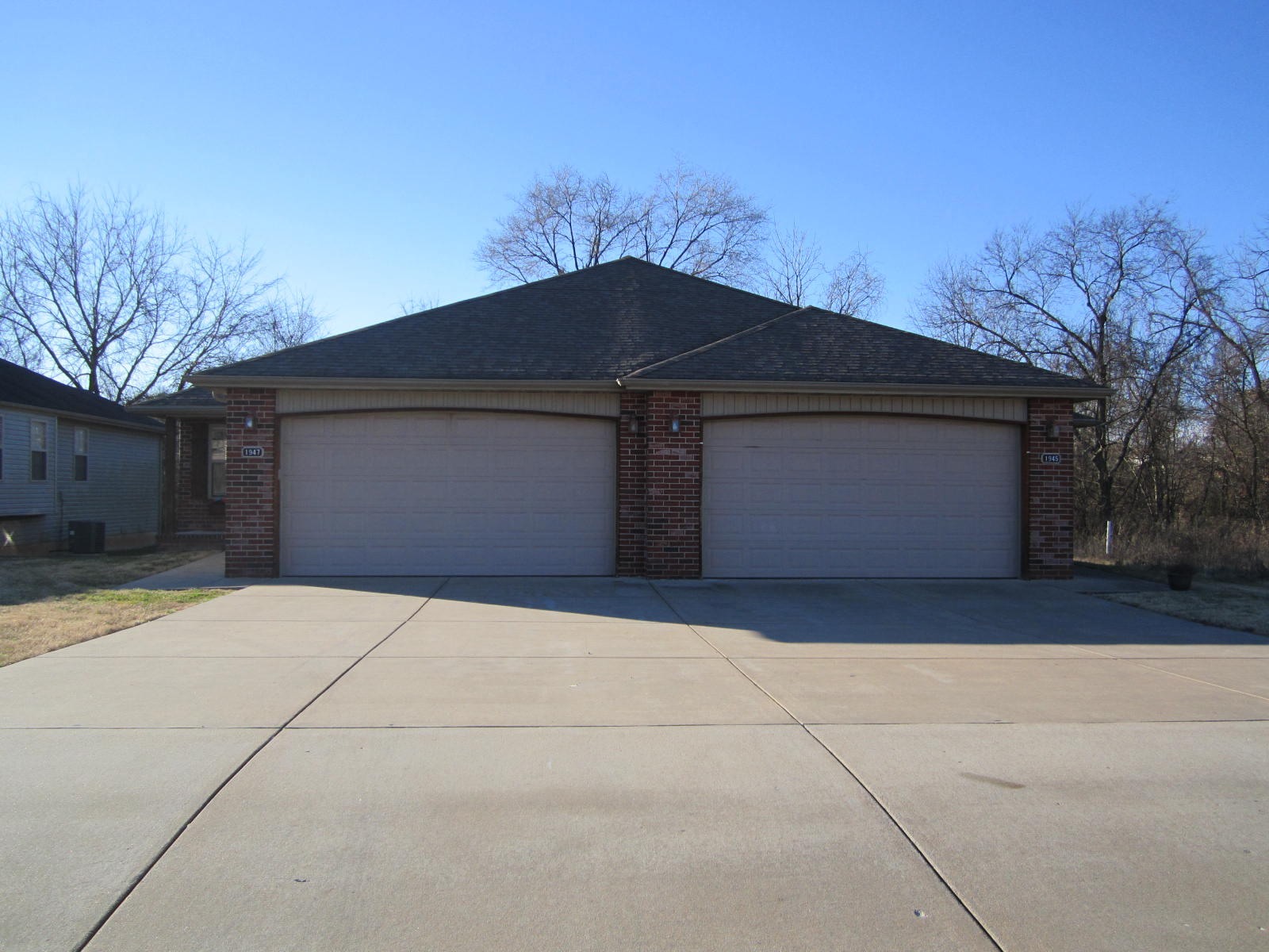 1981 South Bryson Circle Springfield, MO 65807