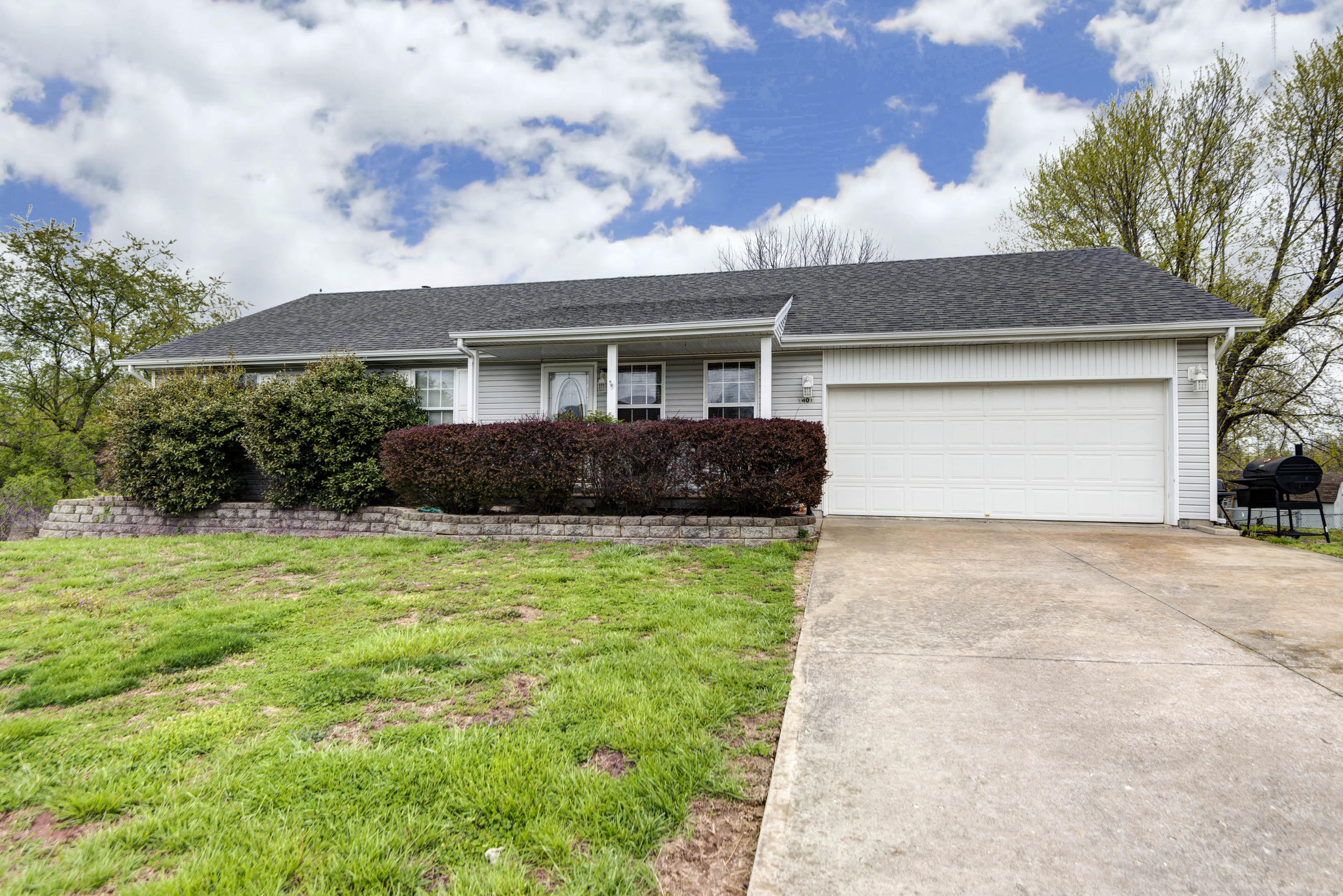 1401 Raspberry Court Nixa, MO 65714