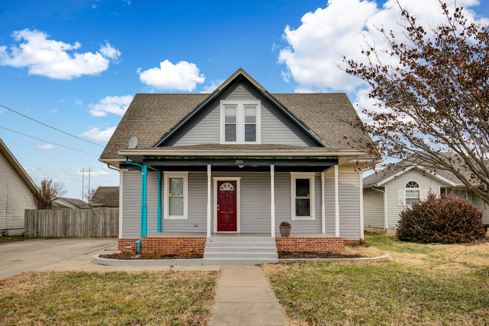 3951 West Maple Street Springfield, MO 65802