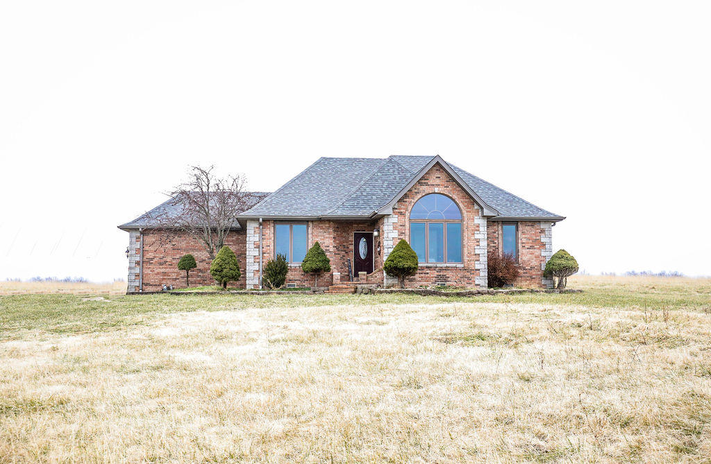 24 Oak Creek Drive Fair Grove, MO 65648