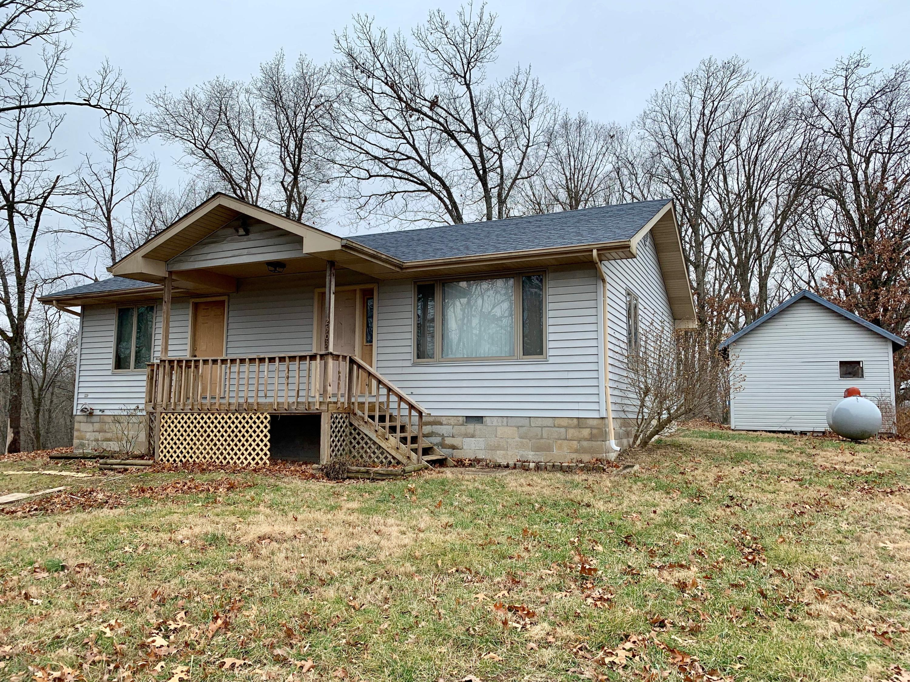 2503 Us-160 Walnut Shade, MO 65771