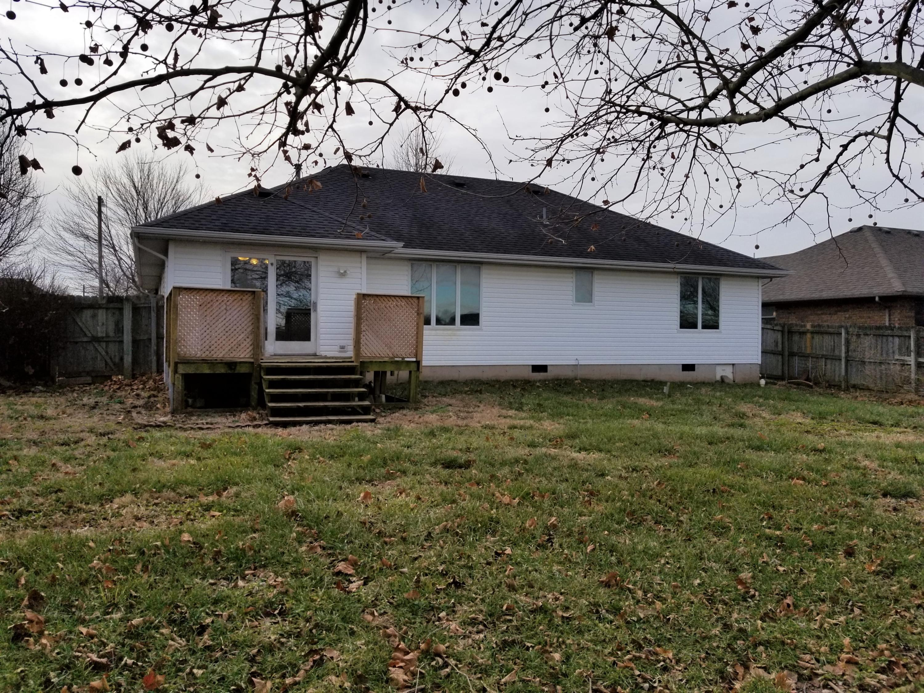 6329 West Cottonwood Road Springfield, MO 65802