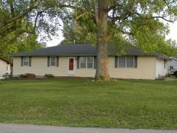 1016 West Walnut Lawn Court Springfield, MO 65807