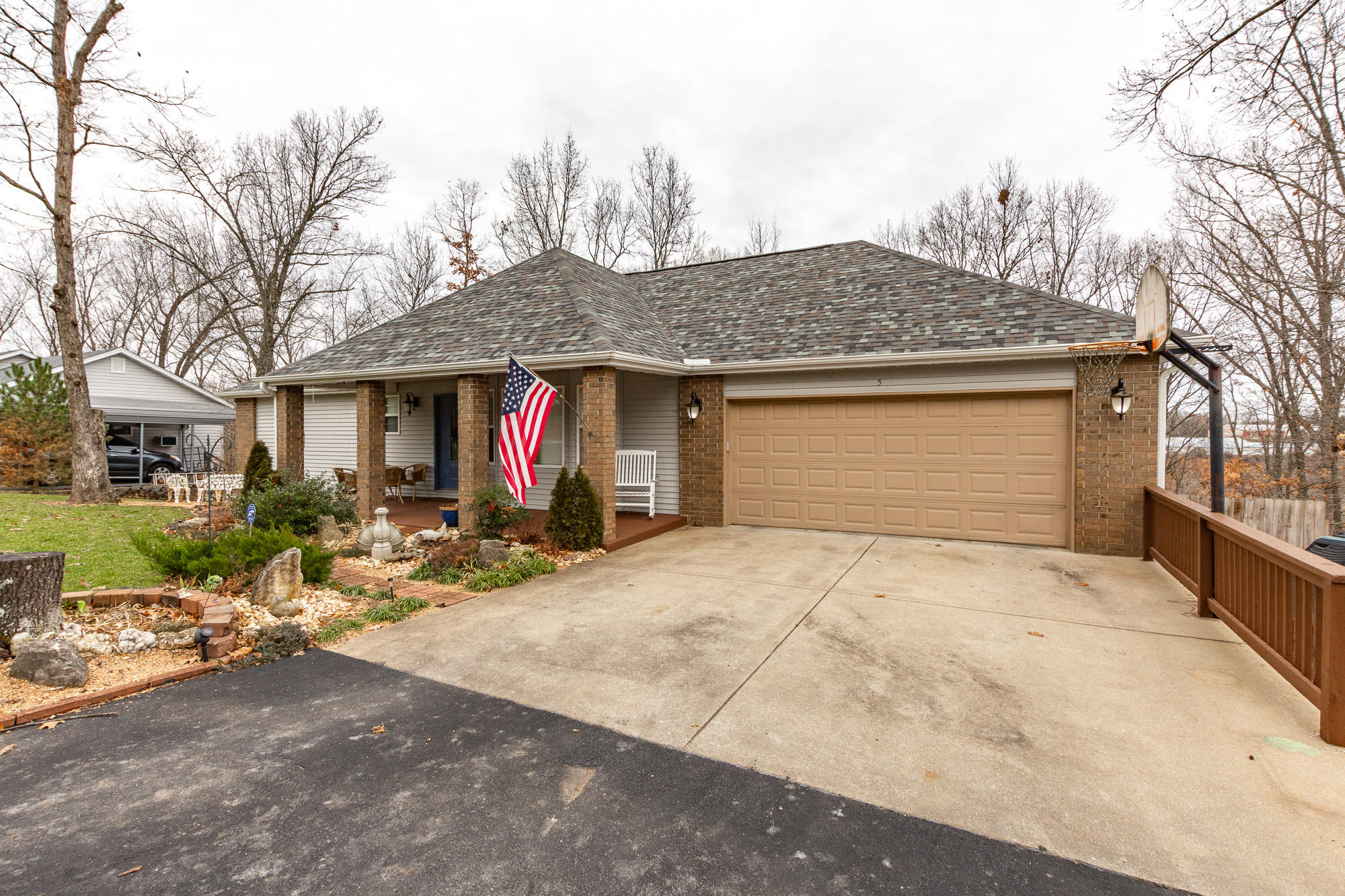5 Raven Oak Drive Kimberling City, MO 65686