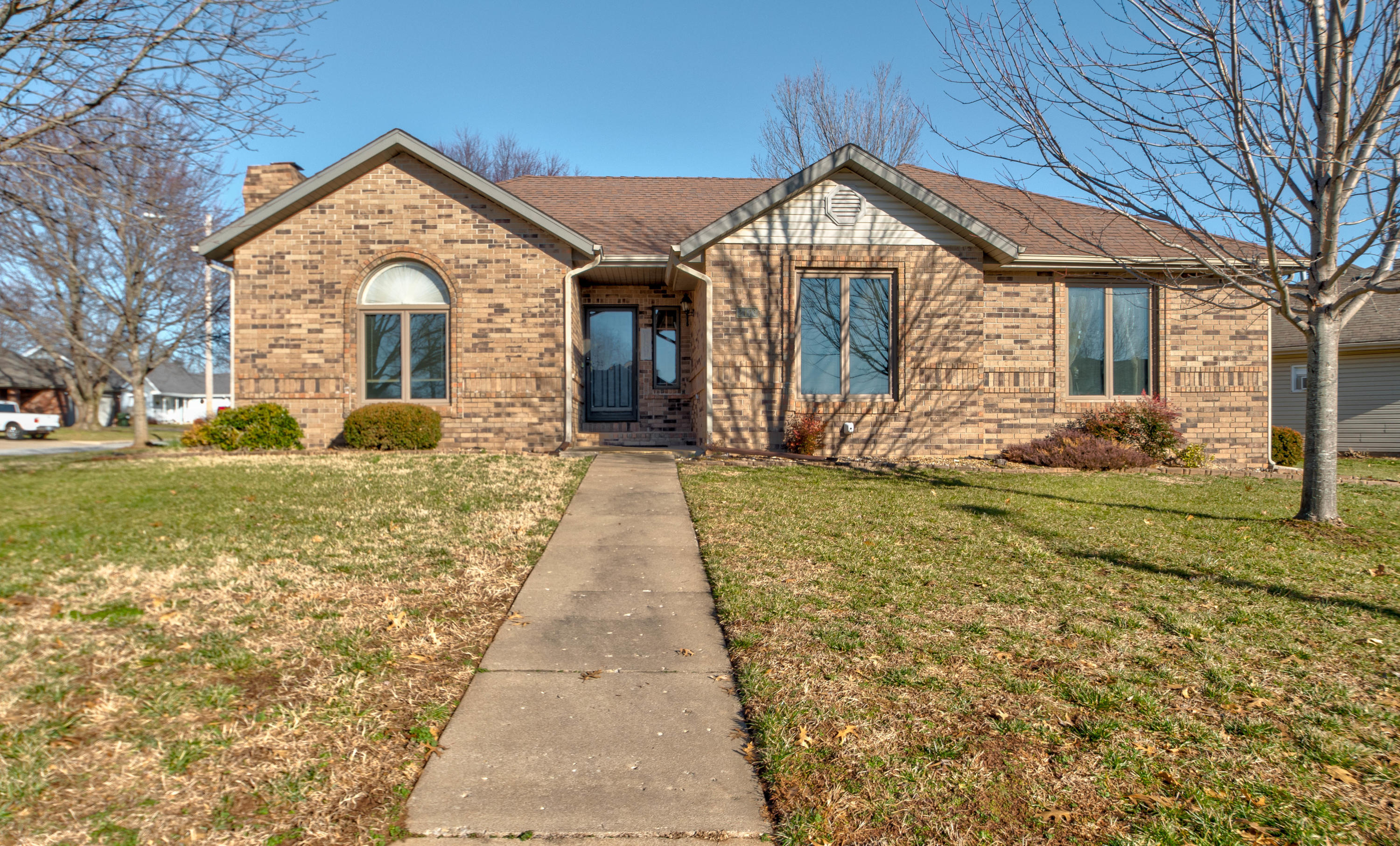 2473 South Nolting Avenue Springfield, MO 65807
