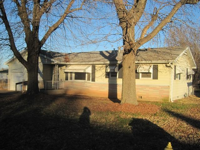 1424 North Fender Avenue Springfield, MO 65803