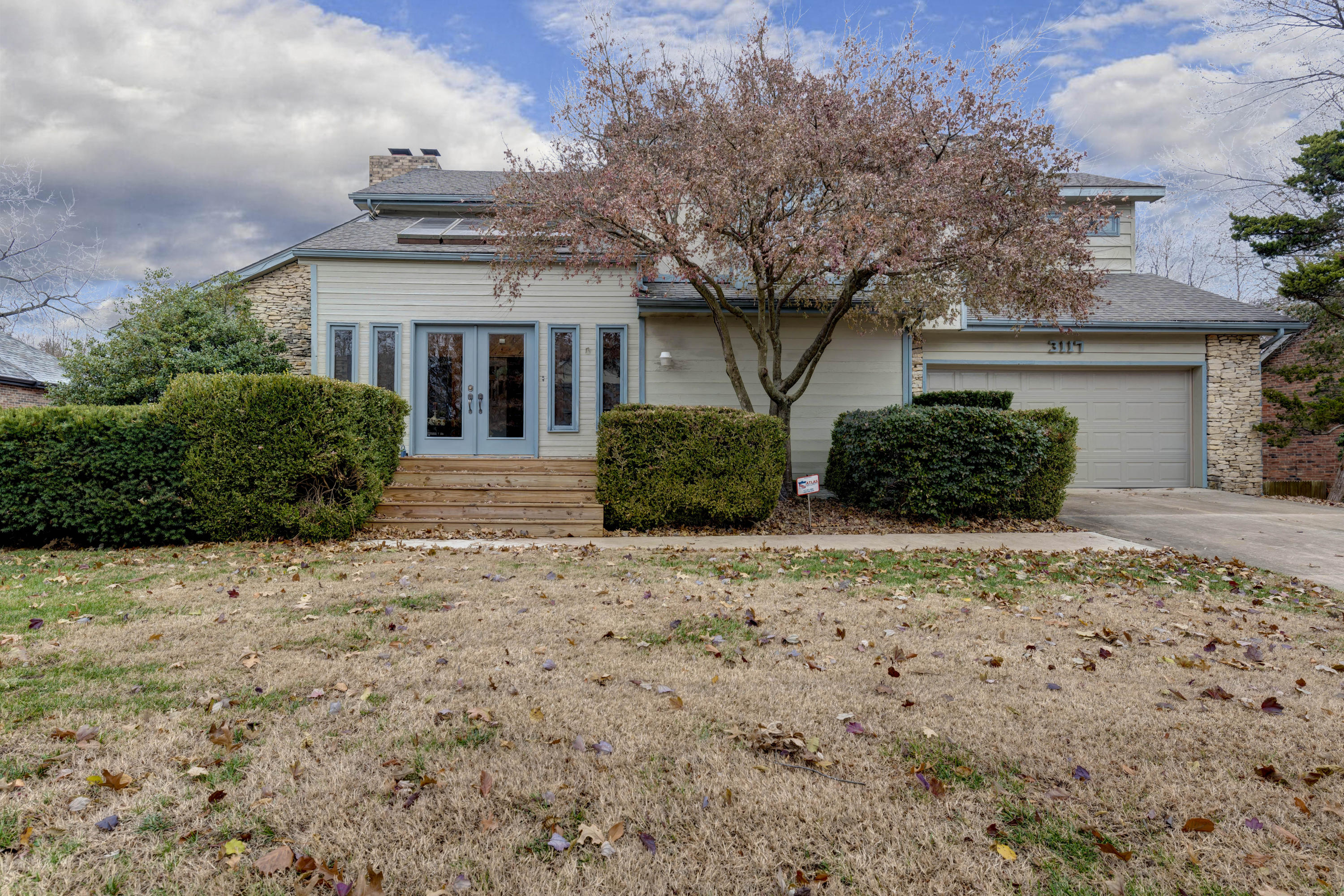 3117 South Patterson Avenue Springfield, MO 65804